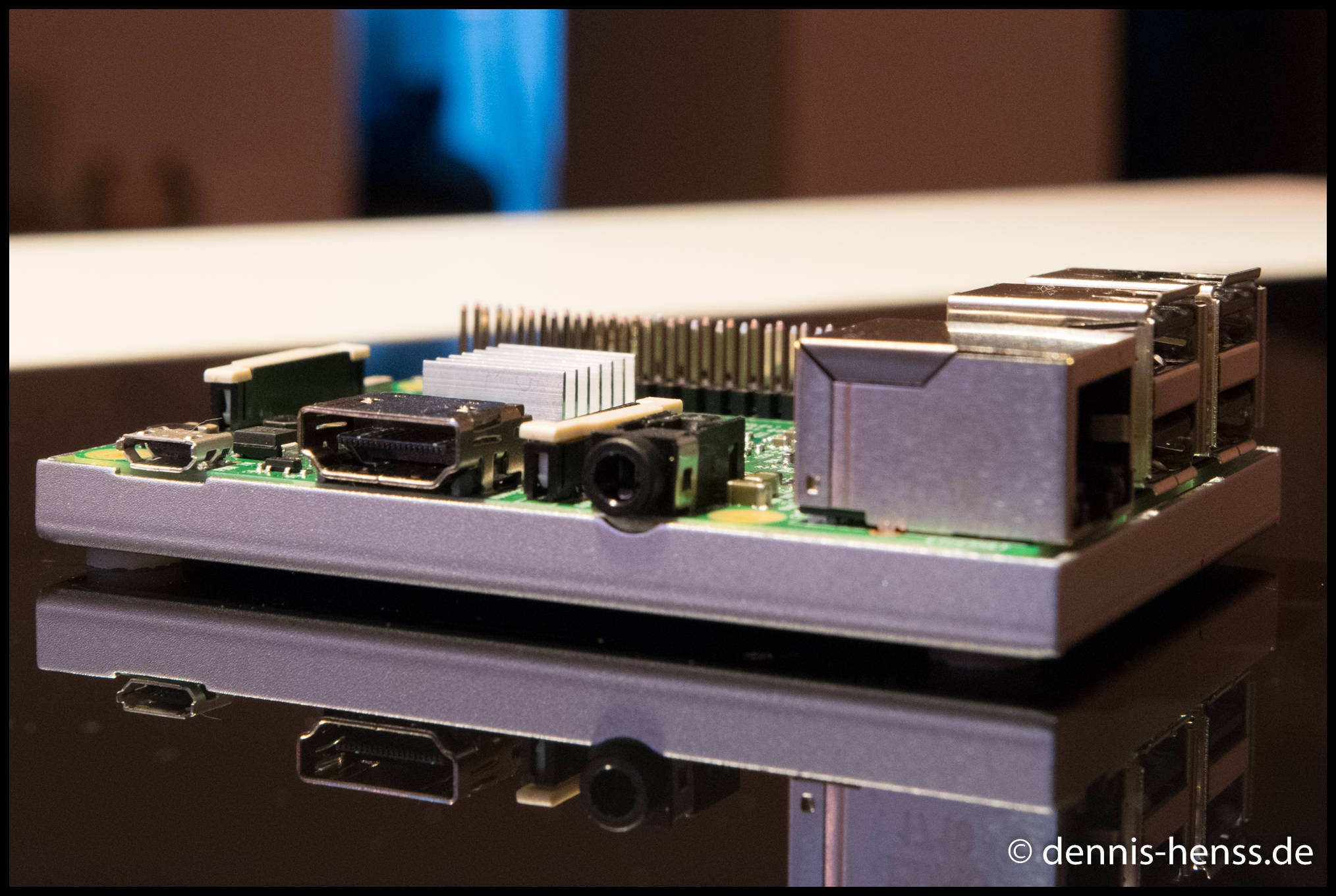 Der Raspberry Pi 3 mit Micro-USB (Strom), HDMI, Klinke Audio, LAN und 4 x USB